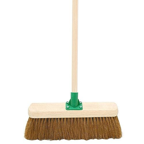 Bentley 18 inch Coco Broom with Handle