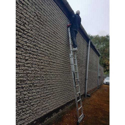 2 Section Aluminium Combination Ladder 2X9 Treads En131 150Kg