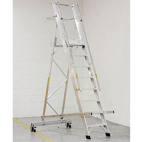 EN131 Mobile Folding 8 Tread Ladder With Platform Max Height 3.15M Platform Height 2.15M