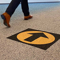 Desso Icons Wayfinding Carpet Tiles 50x50cm Black Arrow